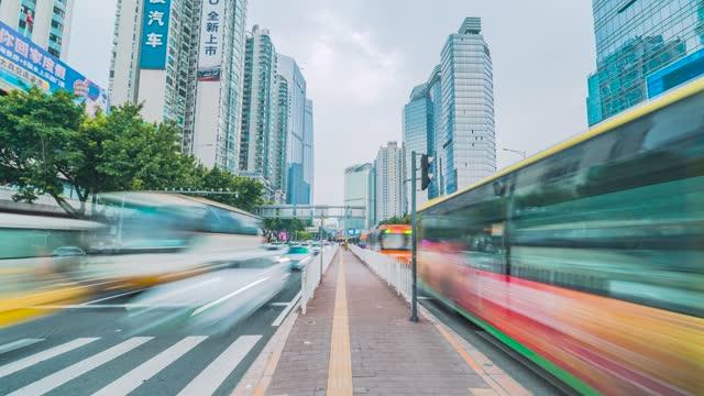 广州_岗顶BRT公交站台_人潮_车流延时