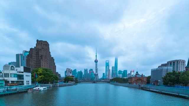 上海外白渡桥_东方明珠塔_城市日转夜