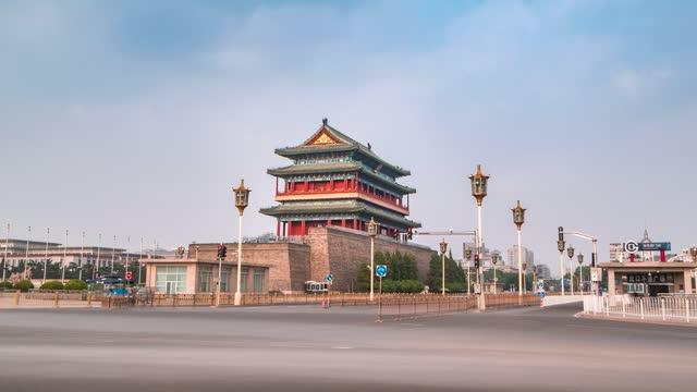 北京_正阳楼_侧拍城楼路口车流